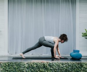 Bali Yoga Retreats yoga flow for reducing anxiety low lunge